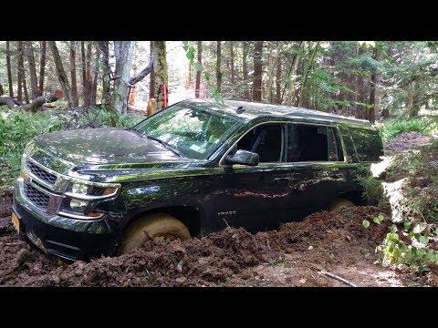 chevrolet tahoe застрял в грязи